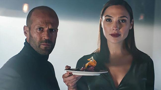 Espressione meravigliata di Jason Statham nello spot Wix.com
