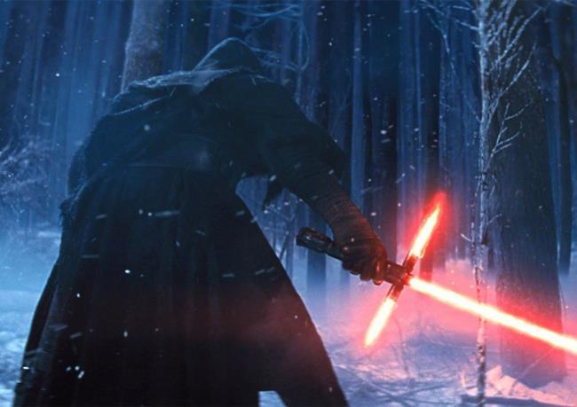 Star Wars svela i dettagli sulla misteriosa guardia della spada di Kylo Ren
