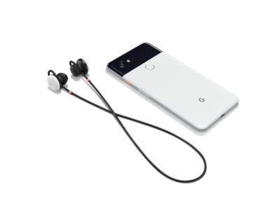 Le cuffie con lo smartphone Pixel 2