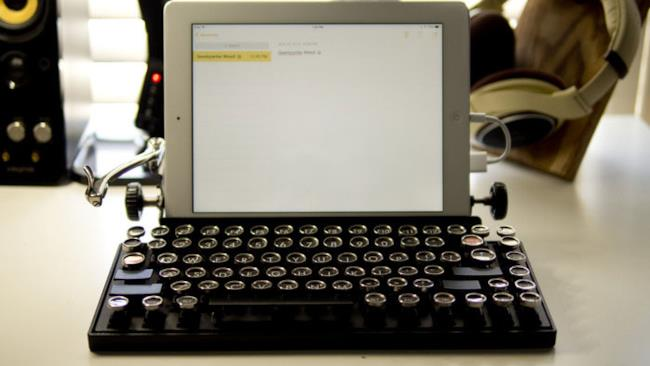 Tastiera USB a forma di macchina da scrivere
