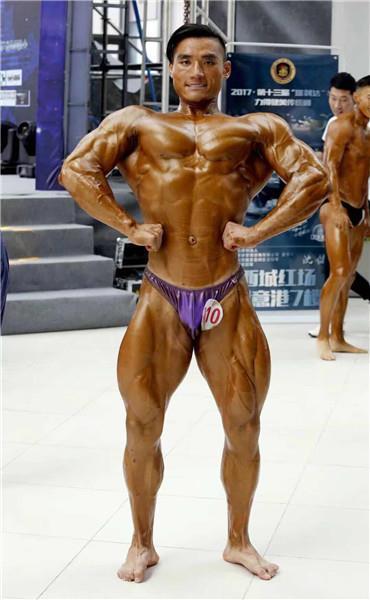 Zhang Shuai è campione regionale di body building