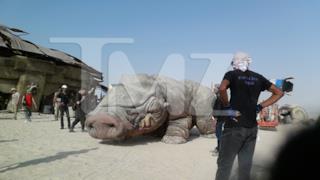 Foto di una creatura aliena sul set di Star Wars