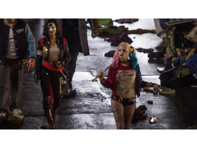 Nuove immagini dal set di Suicide Squad con Harley Quinn e Katana