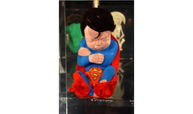Superman in versione feto