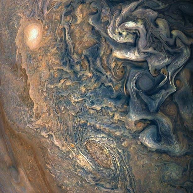 Juno ha catturato nuove immagini di Giove