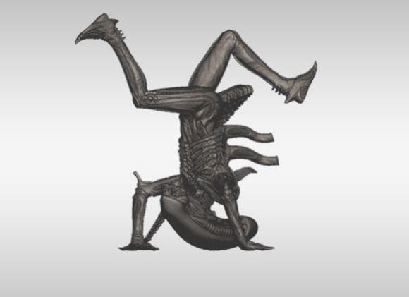 La mini-figure di Alien con lo xenomorfo in posa a testa in giù