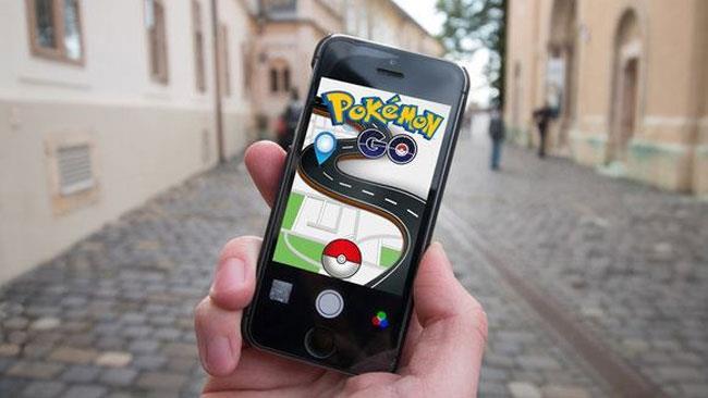 Un giocatore attento alla sua salute utilizza l'app Pokémon Go