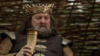 Robert Baratheon beve del vino
