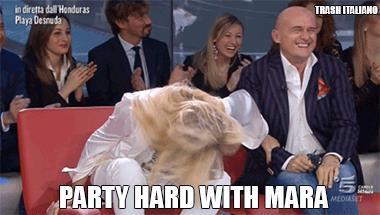 Mara Venier in modalità Party Hard all'Isola