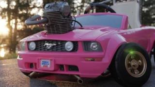 L'auto di Barbie trasformata in Go Kart