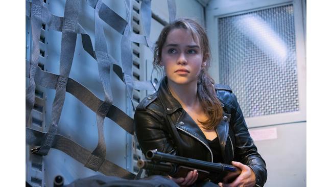 Sarah Connor in una scena di Terminator: Genisys