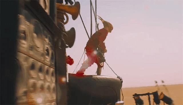 La chitarra di Mad Max: Fury Road funzionava davvero