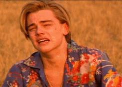 Leonardo DiCaprio che piange - GIF di reazione ai commenti, le più divertenti da usare su Whatsapp e Facebook