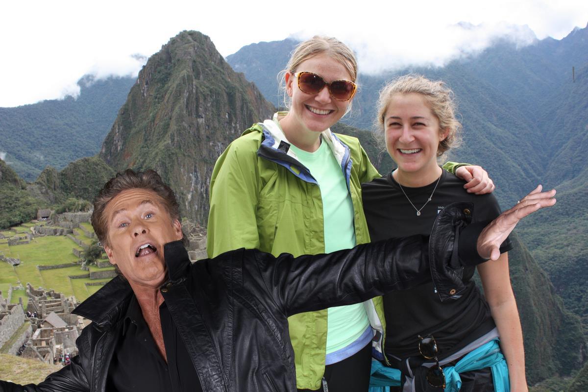 David Hasselhoff con lo sfondo di Machu Picchu