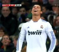 Cristiano Ronaldo che ride - GIF di reazione ai commenti, le più divertenti da usare su Whatsapp e Facebook