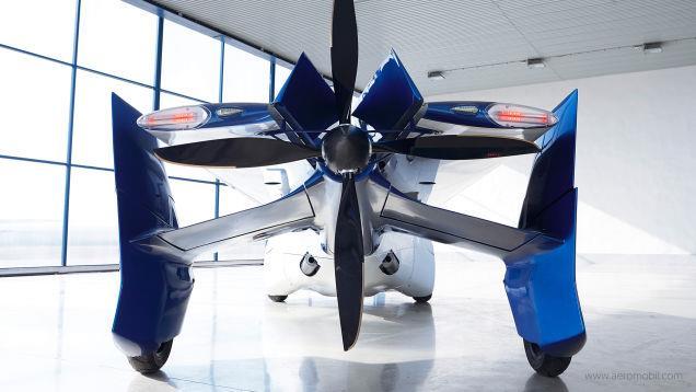 AeroMobil 3.0 vista da dietro