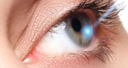 Un occhio sottoposto al laser