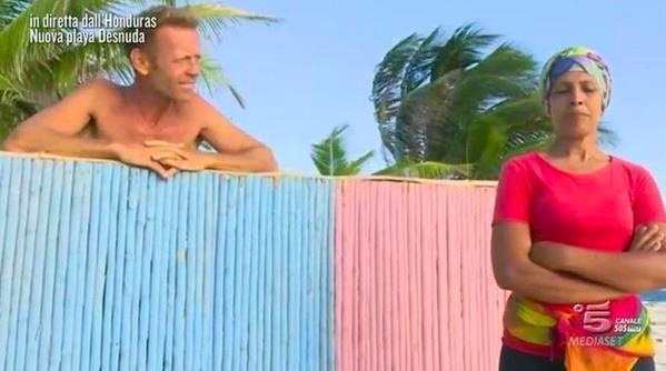 Rocco e Rachida s'incontrano di nuovo a Playa Desnuda