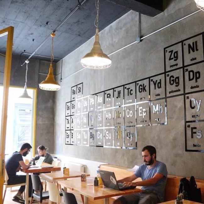 L'interno del Coffee Shop a tema Breaking Bad