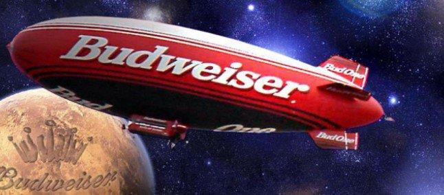 Il dirigibile Budweiser su Marte