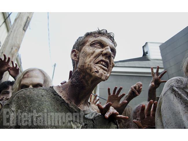 Uno degli zombie della sesta stagione di The Walking Dead
