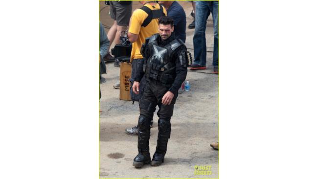 Uno sguardo al nuovo costume di Crossbones