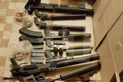Alcune armi trovate a casa di Anton
