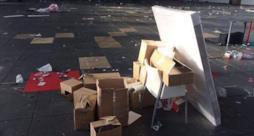Le scatole di sex toys vuote dopo il furto