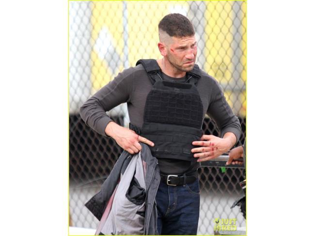 Foto di Jon Bernthal nel ruolo del Punisher