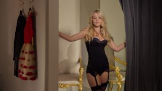 ragazza danese in lingerie