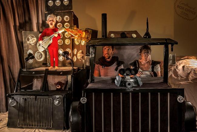 Scena di Mad Max - Fury Road ricreata da padre e figlio