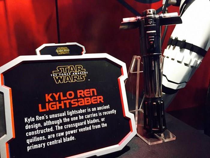 Ecco i dettagli sulla spada laser a croce di Star Wars 7