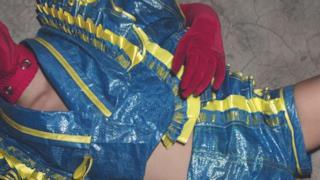 IKEA FRAKTA trasformata in un costume