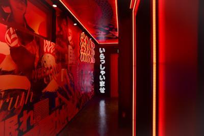 Ecco l'interno del primo bar giapponese a tema Playboy