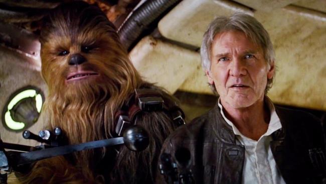 Chewbacca ed Han Solo ritornano nel Millenium Falcon