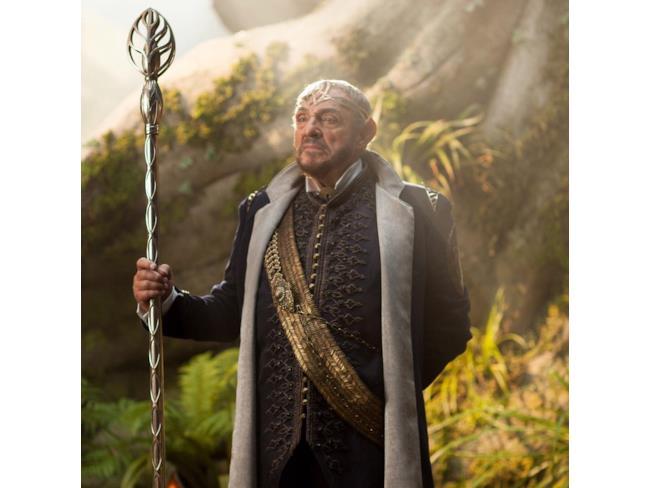 Re Eventine Elessedil (John Rhys-Davies)