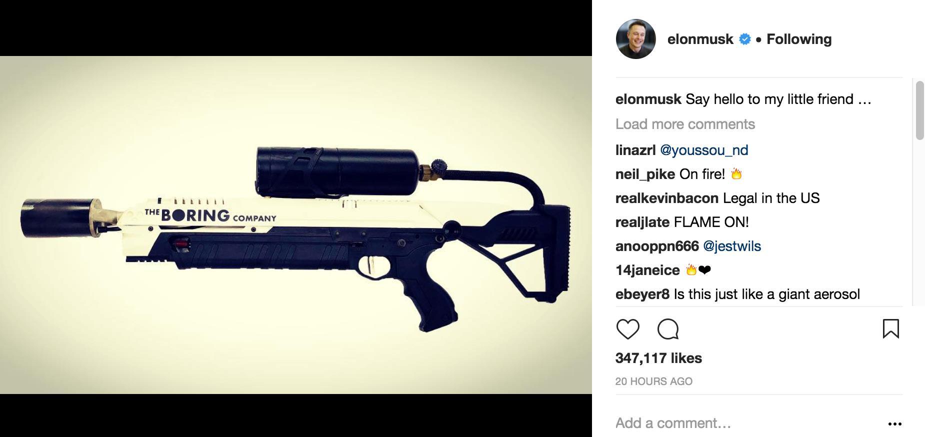 Il post di Instagram con il lanciafiamme di Elon Musk