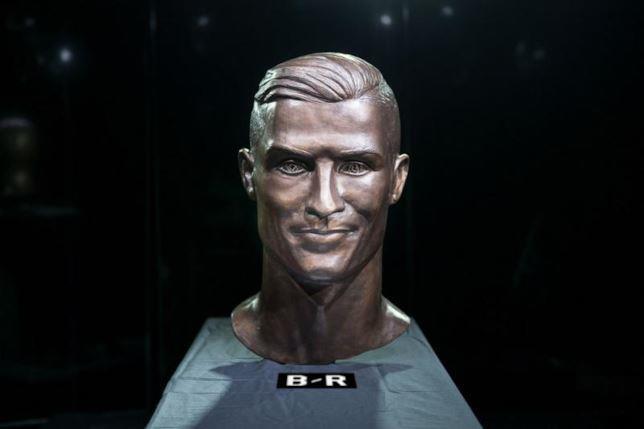 Il nuovo busto di Ronaldo realizzato da Emanuel Santos