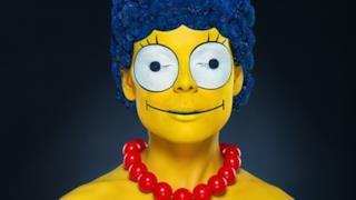 Modella truccata da Marge Simpson