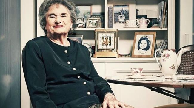 Sheila Vogel è diventata una prostituta a 81 anni