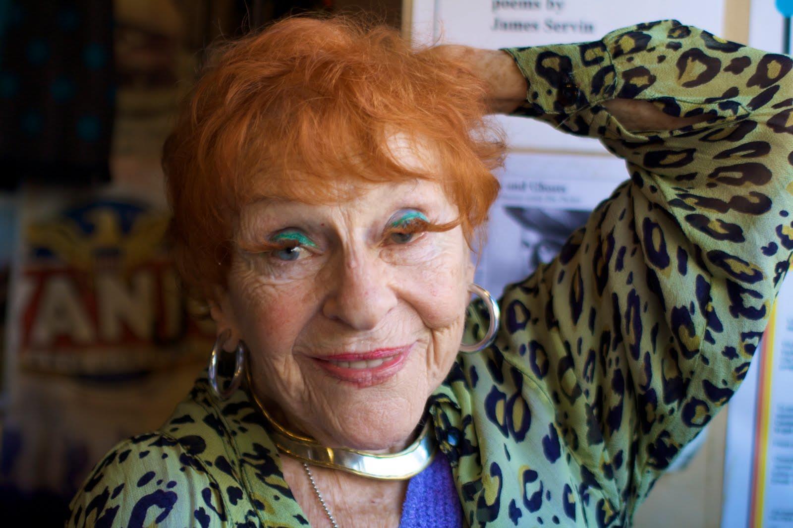 Anziana signora foto