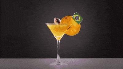 Boccale di birra schiaccia cocktail brasiliano