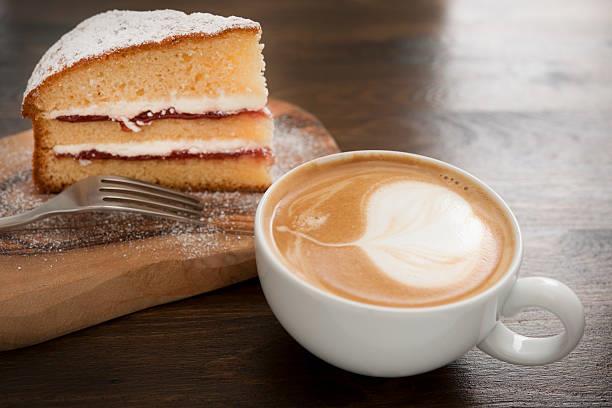La foto di torta e caffè