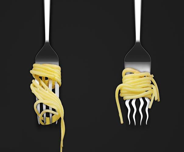 Forchetta con rebbi ondulati per spaghetti