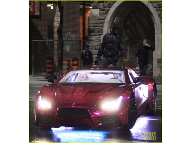Batman e il Joker sono pronti a ricominciare l'inseguimento in auto