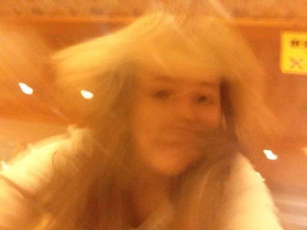 Selfie con la testa in movimento dal Giappone