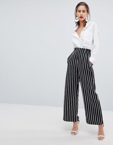 Pantaloni a righe con fondo ampio