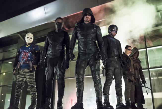 Una scena di Arrow che chiude con la prossima stagione