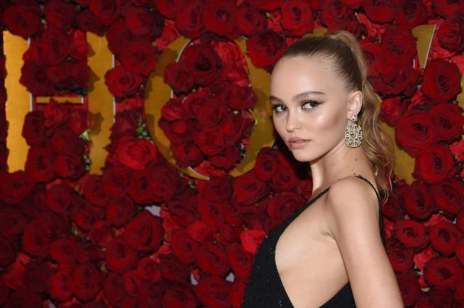 Lily-Rose Depp in primo piano