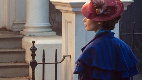 Emily Blunt in un fotogramma di Mary Poppins Returns